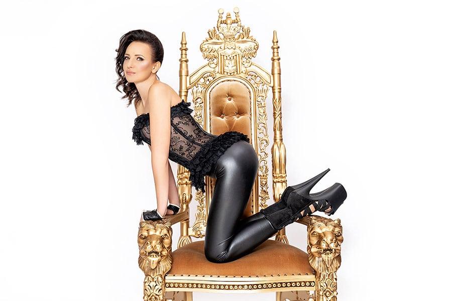 2020-02-10-mistress-nadja-19