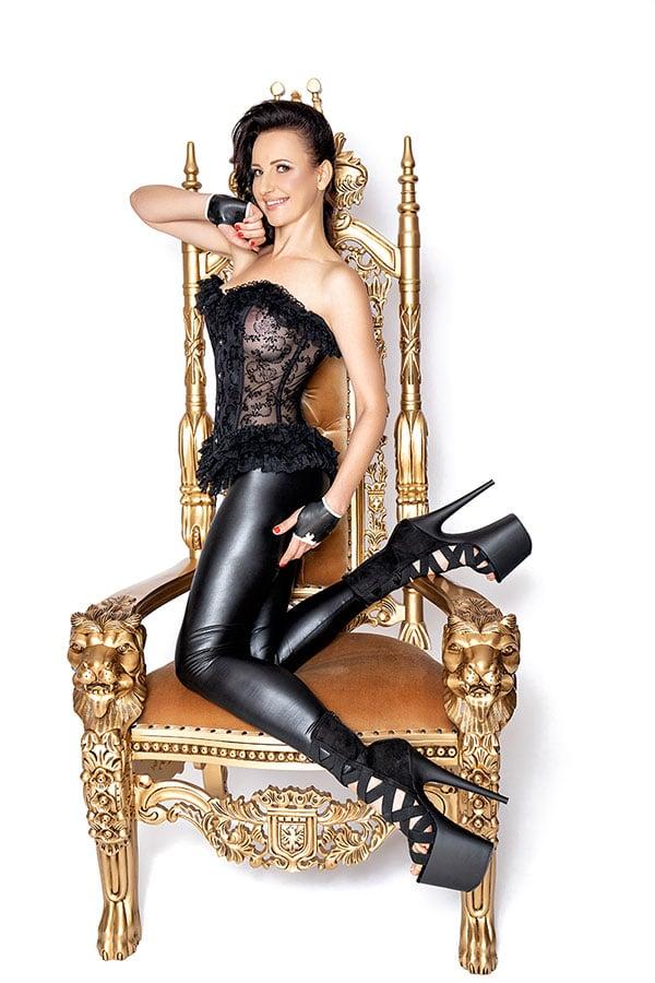 2020-02-10-mistress-nadja-22